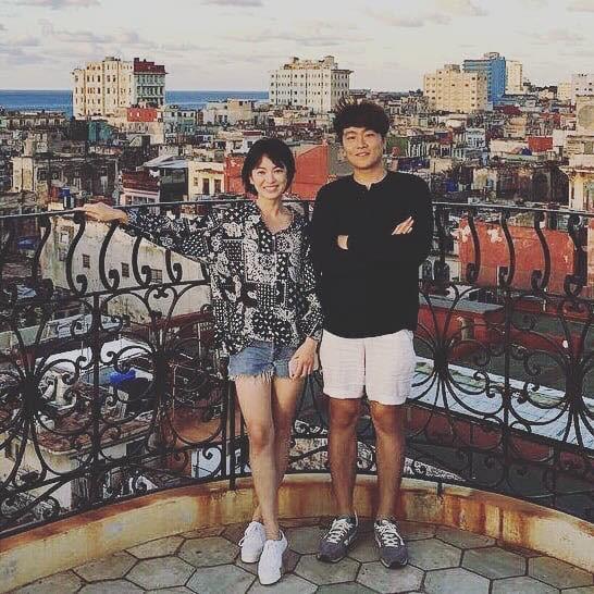 Song Hye Kyo 'gầy nhom' sau 1 tháng xa chồng nhưng thần thái vẫn rất rạng rỡ - 1