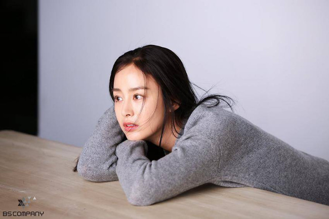 Kim Tae Hee trải lòng về chuyện thẩm mỹ sau gần 3 năm nghỉ kết hôn sinh con