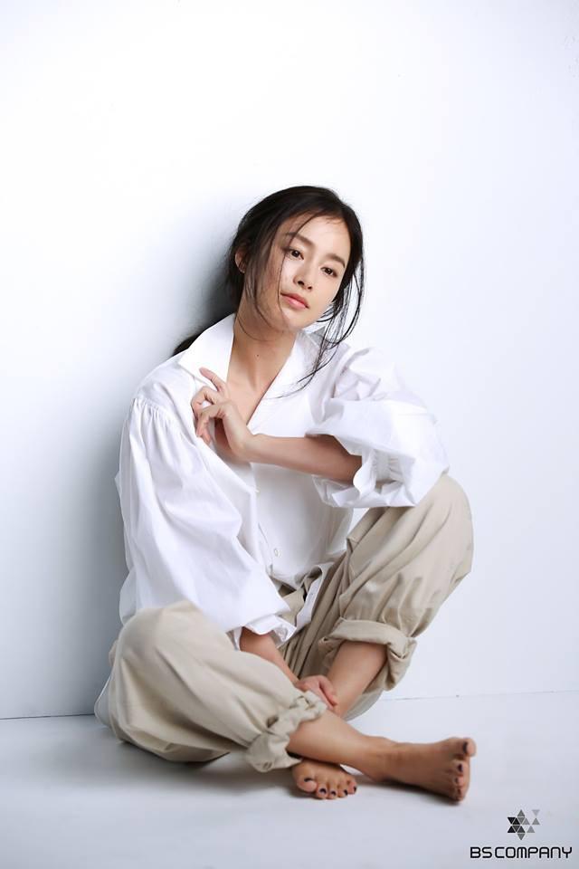 Kim Tae Hee trải lòng về chuyện thẩm mỹ sau gần 3 năm nghỉ kết hôn sinh con - 1