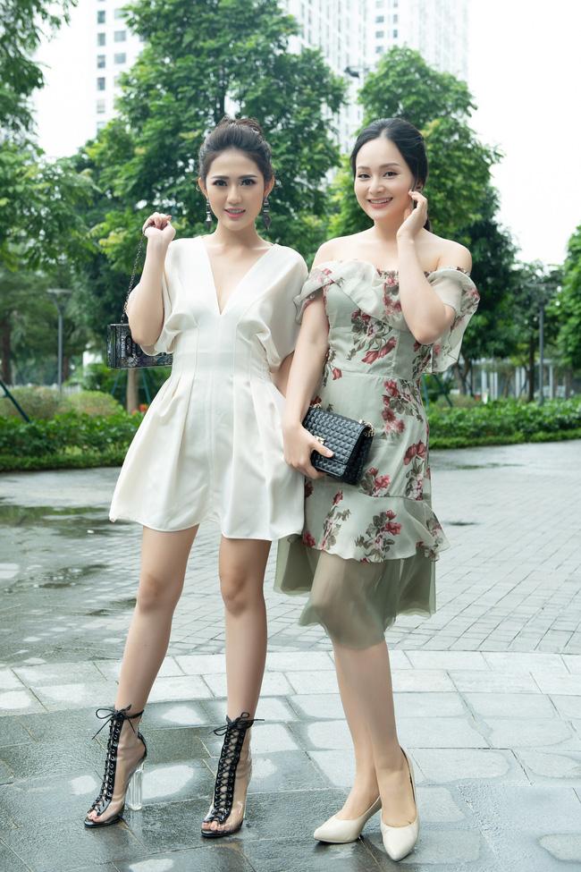 Lan Phương gợi cảm khoe vai trần, đọ sắc cùng 'tiểu tam' Trang Cherry - 3