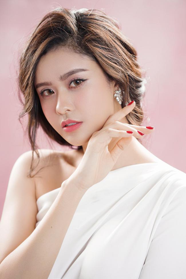 Trương Quỳnh Anh ngày càng xinh đẹp và trưởng thành hơn từ sau hôn nhân trục trặc - 4