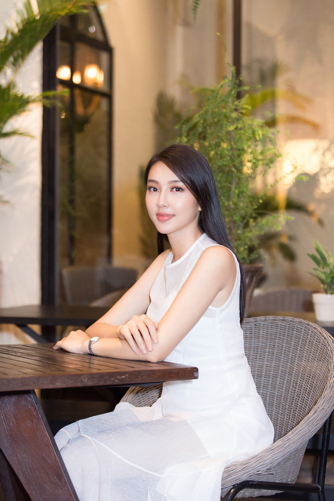 Cuộc gặp hiếm có của các đại diện Việt thi Hoa hậu Quốc tế: Nguyễn Thúc Thùy Tiên đẹp dịu dàng bên đàn chị - 7