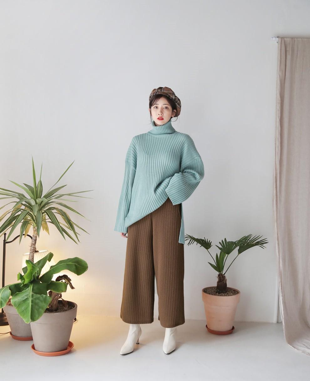 Diện lên vừa 'tây' lại thoải mái tuyệt đối, quần len chính là item mà các nàng cần sắm ngay cho tủ đồ mùa lạnh