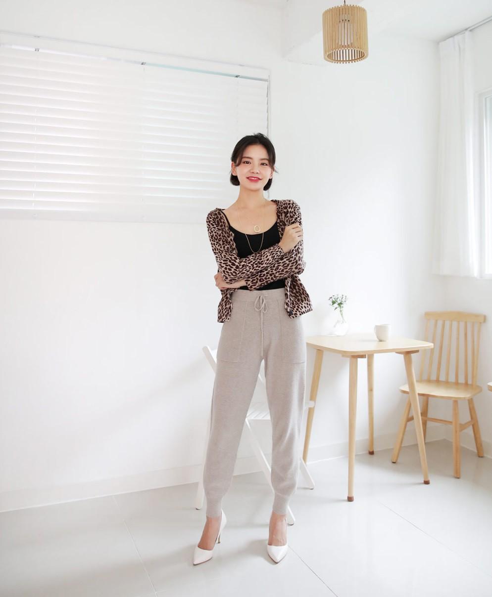 Diện lên vừa 'tây' lại thoải mái tuyệt đối, quần len chính là item mà các nàng cần sắm ngay cho tủ đồ mùa lạnh - 11