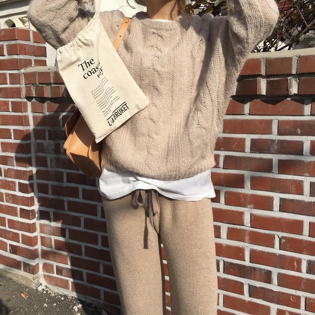 Diện lên vừa 'tây' lại thoải mái tuyệt đối, quần len chính là item mà các nàng cần sắm ngay cho tủ đồ mùa lạnh - 12