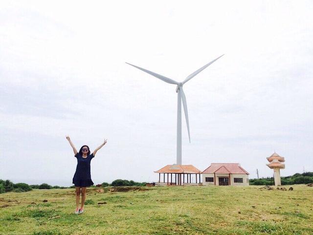 Check-in 3 cánh đồng quạt gió đẹp như trời Âu ở Việt Nam
