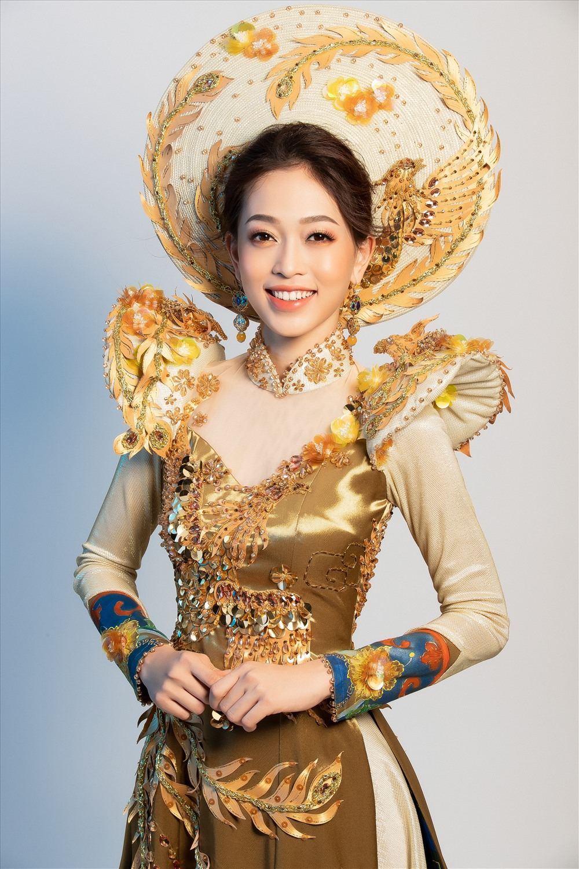 Lộ diện trang phục dân tộc đẹp xuất sắc của Á hậu Phương Nga tại Miss Grand International