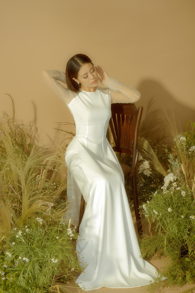 Kiều nữ làng hài Nam Thư thướt tha trong tà áo dài khiến người hâm mộ ngẩn ngơ
