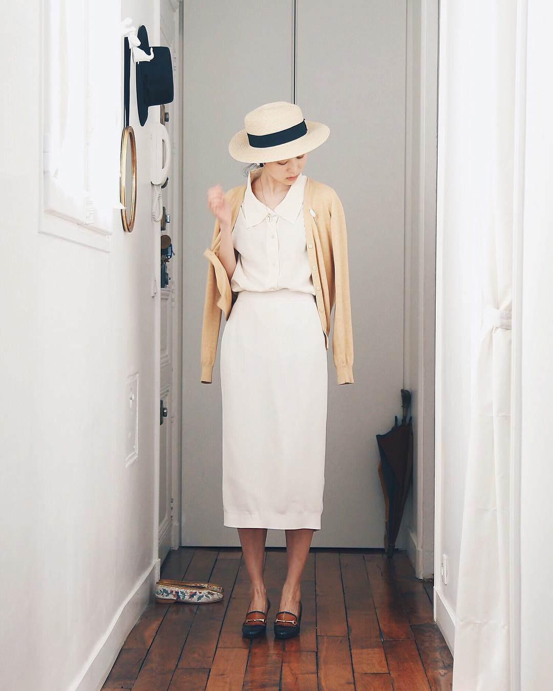 Mặc đi mặc lại vài kiểu đồ, cô gái Đài bé nhỏ vẫn đẹp nơi ai cũng cao, trắng nõn