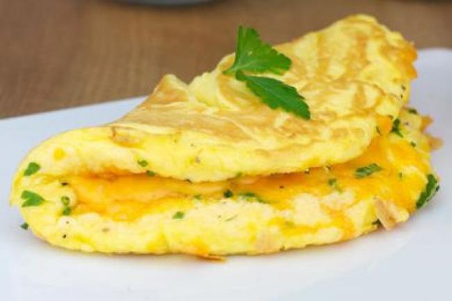 Chỉ cần cho một thìa nguyên liệu này vào món trứng chiên, chị em sẽ có ngay tuyệt phẩm vàng xốp, thơm ngậy khiến chồng con ngất ngây