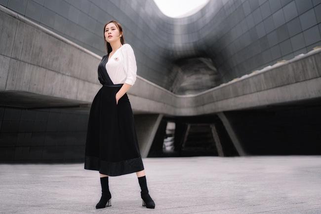 Phương Oanh 'Quỳnh búp bê' khoe style cá tính ở Hàn Quốc - 5