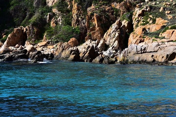 Khám phá vẻ đẹp hoang sơ của vịnh Vĩnh Hy - Ninh Thuận