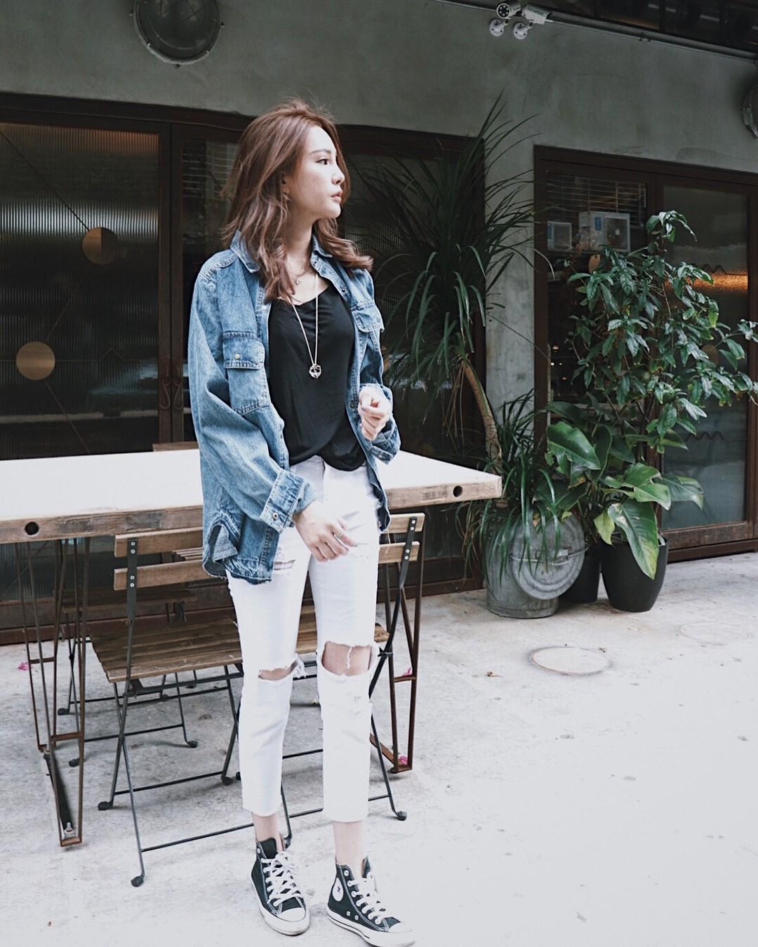 Có một kiểu quần mà các nàng cứ diện lên sẽ trẻ trung và nữ tính hơn bội phần, đó chính là quần jeans trắng - 14