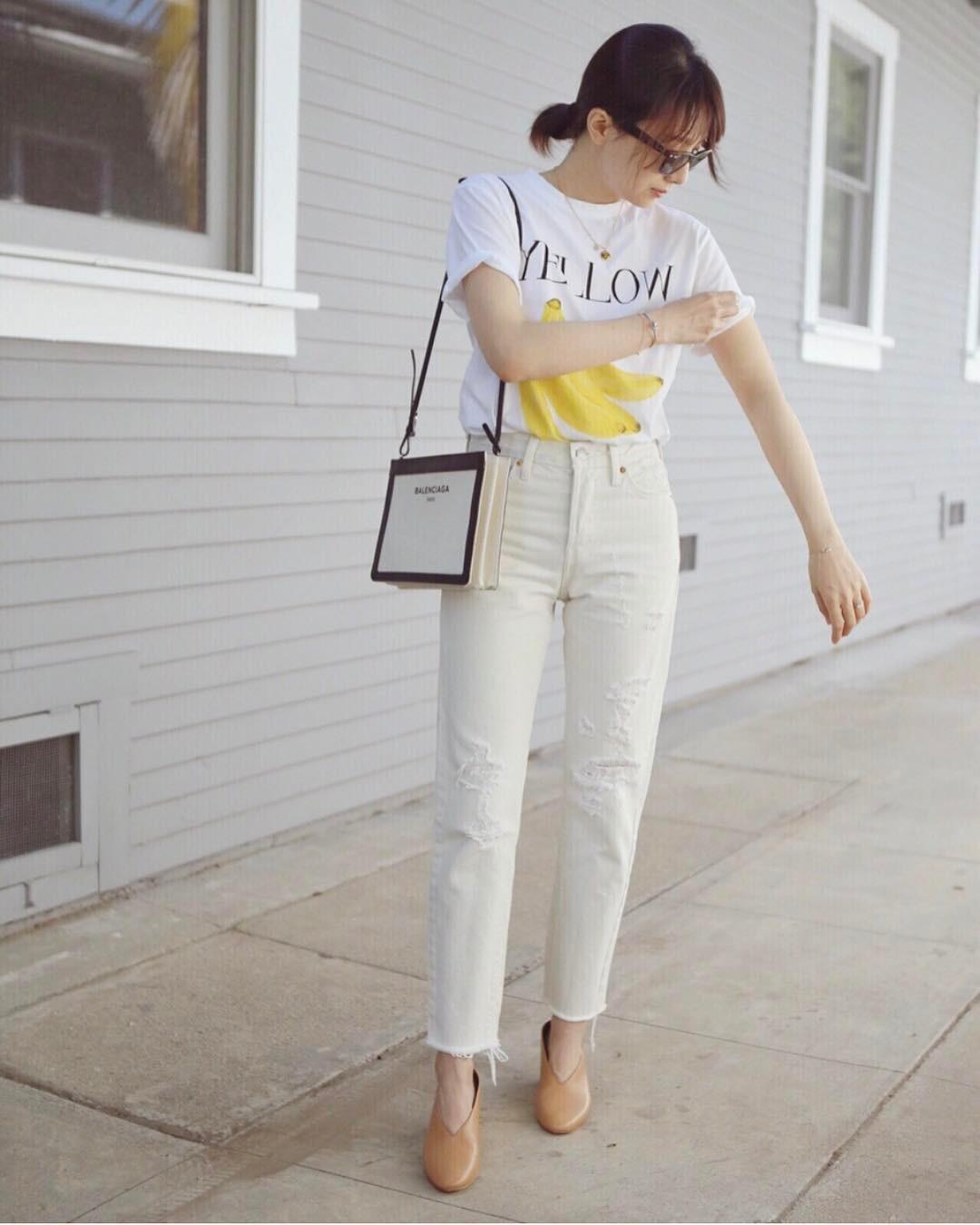 Có một kiểu quần mà các nàng cứ diện lên sẽ trẻ trung và nữ tính hơn bội phần, đó chính là quần jeans trắng - 1