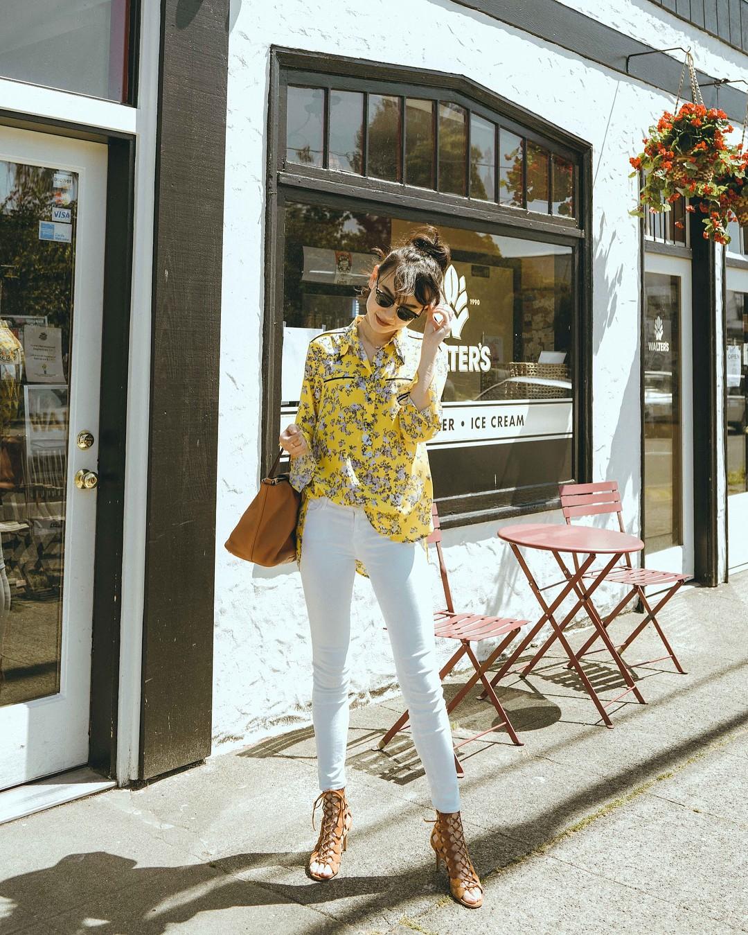 Có một kiểu quần mà các nàng cứ diện lên sẽ trẻ trung và nữ tính hơn bội phần, đó chính là quần jeans trắng - 2