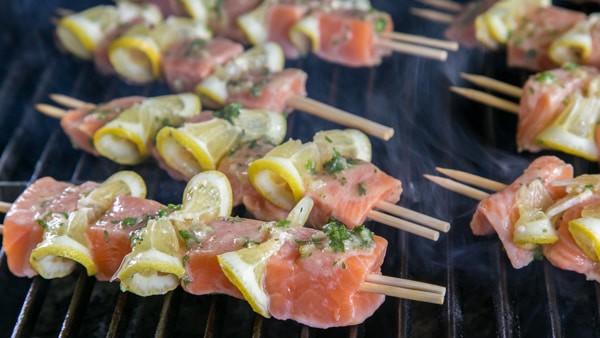 Cuối tuần đãi cả nhà món cá hồi xiên nướng vừa thơm ngon vừa bổ dưỡng - 4