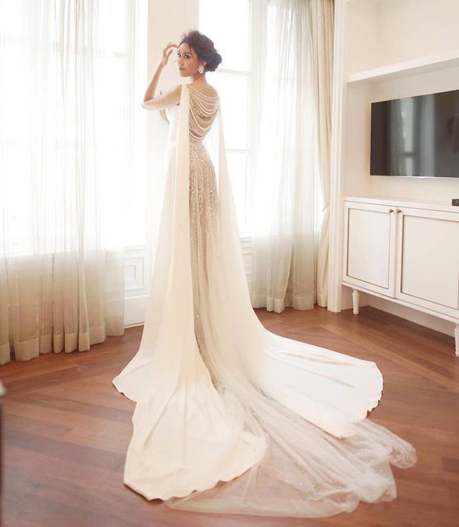 Cả tháng lo đám cưới đến stress, mà đêm tân hôn Lan Khuê còn cố làm nốt việc này - 4