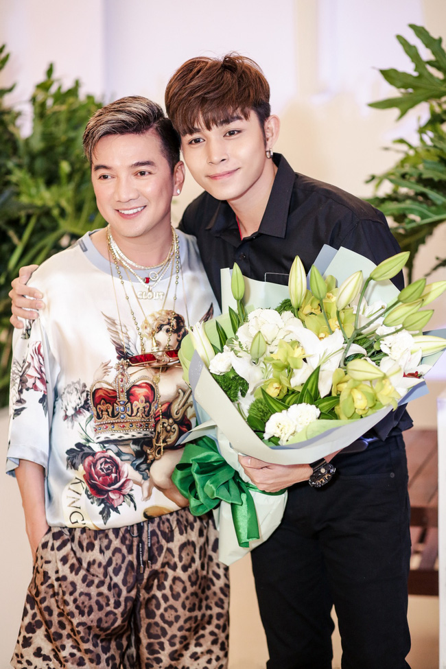 Đàm Vĩnh Hưng tổ chức sinh nhật to như đám cưới, Trấn Thành - Hari Won - Lệ Quyên và dàn sao 'khủng' đều tham dự - 12
