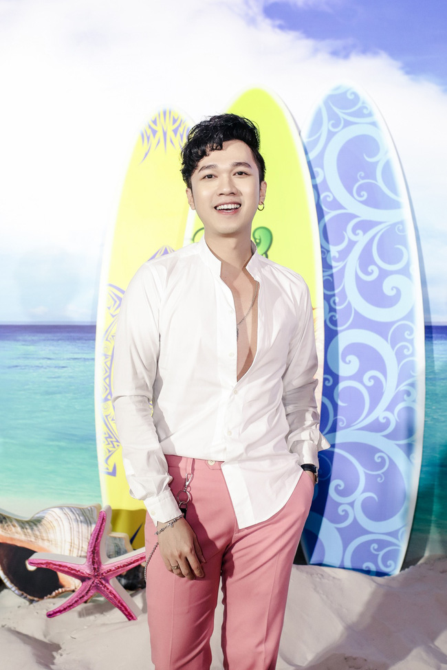 Đàm Vĩnh Hưng tổ chức sinh nhật to như đám cưới, Trấn Thành - Hari Won - Lệ Quyên và dàn sao 'khủng' đều tham dự - 16