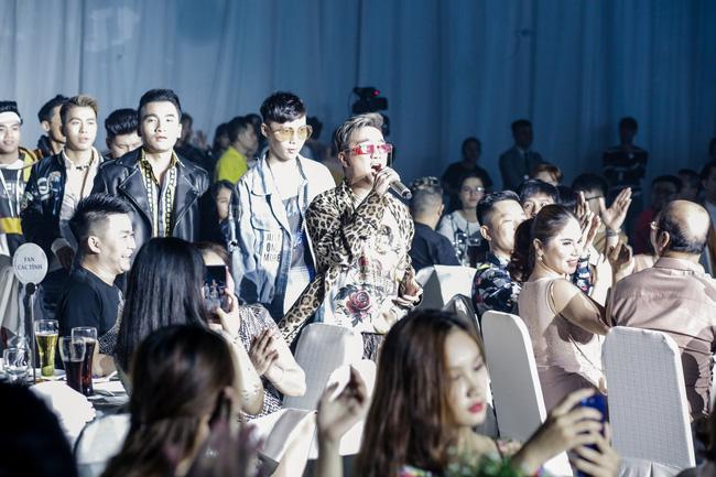 Đàm Vĩnh Hưng tổ chức sinh nhật to như đám cưới, Trấn Thành - Hari Won - Lệ Quyên và dàn sao 'khủng' đều tham dự - 4