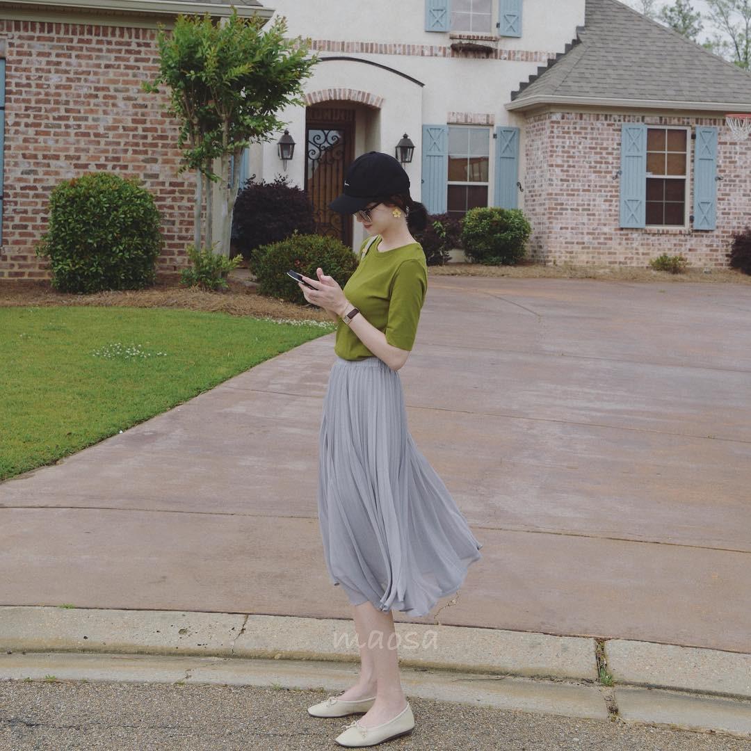 Chân váy xếp ly vừa thoải mái lại dễ giấu nhược điểm, chẳng trách mà các nàng muốn sắm vài ba cái cho tủ đồ mùa lạnh - 12