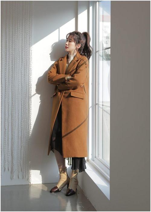 Công thức mặc đẹp 'huyền thoại' của công sở khi trời se lạnh - 7