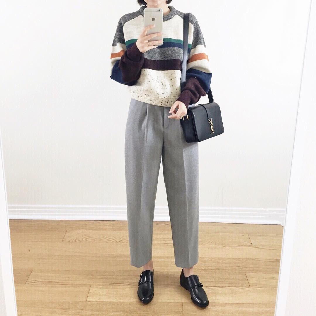 Nếu hỏi item nào trẻ trung và dễ mặc nhất trong mùa lạnh thì câu trả lời chính là áo len kẻ - 9
