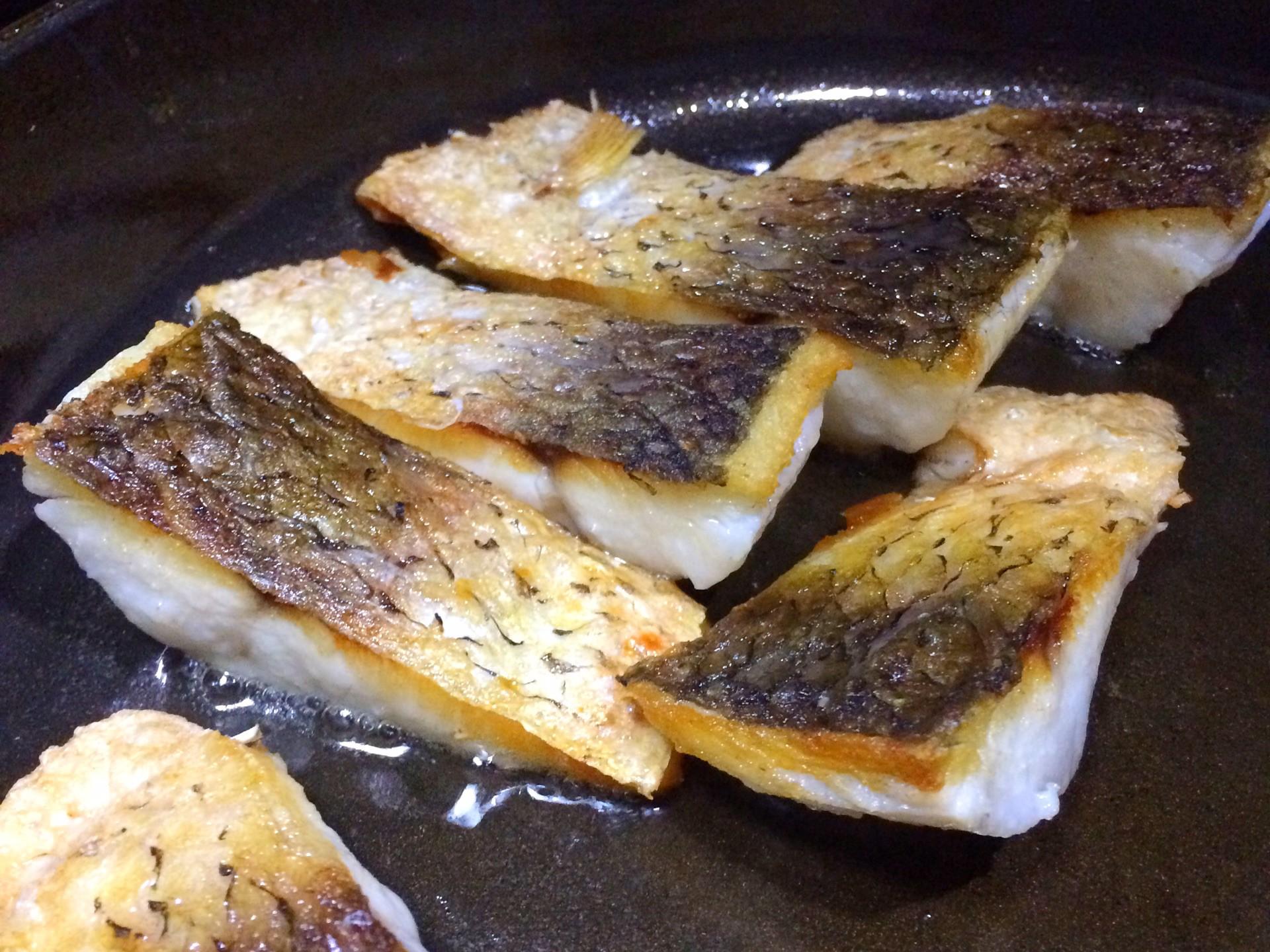 Cách làm cá xốt thơm ngon lại cực kỳ đơn giản - 2
