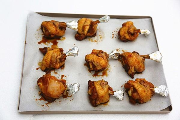 Món ngon cuối tuần: Cánh gà nướng mật ong thơm mềm hấp dẫn - 3