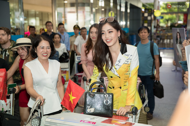 Hoa hậu Tiểu Vy ra tận sân bay đón Phương Nga trở về nước sau hành trình tại Miss Grand International 2018 - 3