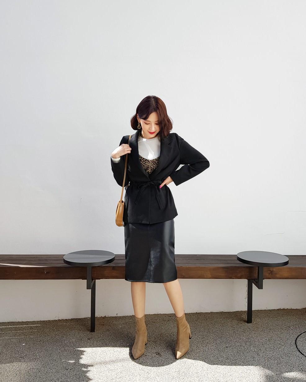 Diện mẫu blazer thắt eo này, nàng nào trông cũng sẽ thon gọn hơn và ra dáng chuẩn quý cô thanh lịch - 11