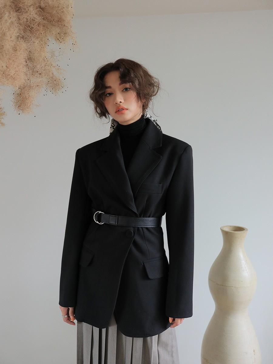 Diện mẫu blazer thắt eo này, nàng nào trông cũng sẽ thon gọn hơn và ra dáng chuẩn quý cô thanh lịch - 12
