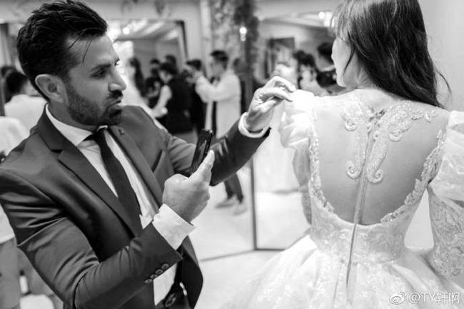 Cuối cùng, hình ảnh cô dâu Đường Yên lộng lẫy trong bộ váy cưới độc nhất vô nhị cũng được công bố rồi đây - 4