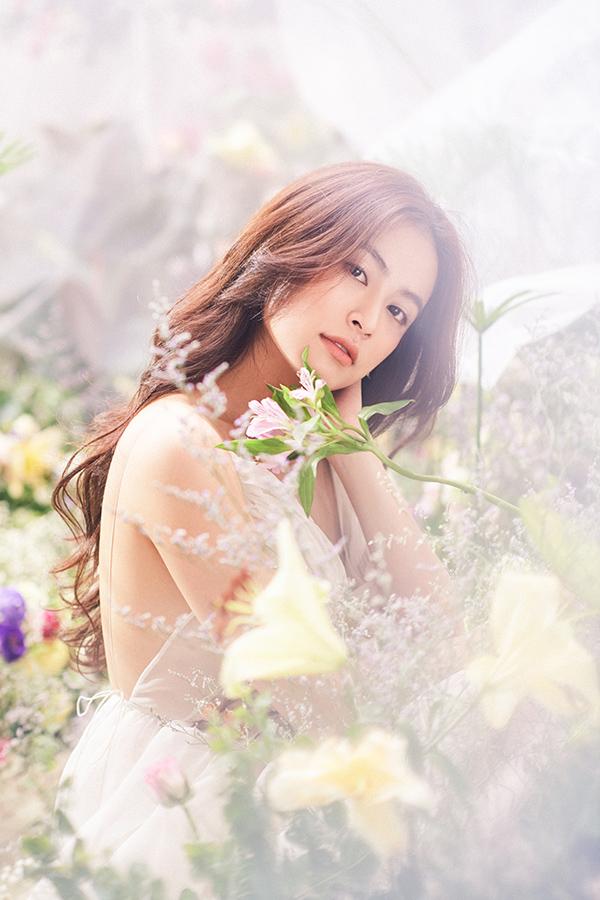 Hoàng Thuỳ Linh hoá nàng tiên hoa ngọt ngào - 9