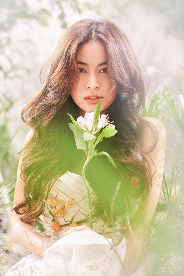 Hoàng Thuỳ Linh hoá nàng tiên hoa ngọt ngào - 5