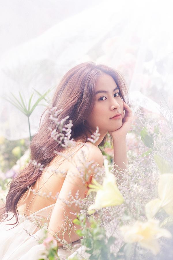 Hoàng Thuỳ Linh hoá nàng tiên hoa ngọt ngào - 7