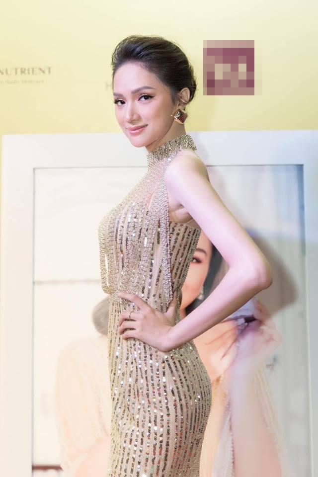 Sau tin đồn được cầu hôn, Hương Giang diện váy xuyên thấu lấp lánh khoe hình thể 'Vệ nữ' đi sự kiện - 2