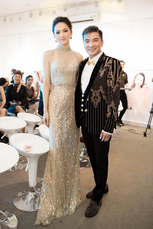 Sau tin đồn được cầu hôn, Hương Giang diện váy xuyên thấu lấp lánh khoe hình thể 'Vệ nữ' đi sự kiện - 3
