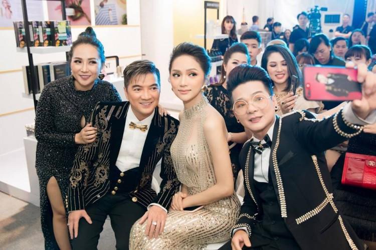 Sau tin đồn được cầu hôn, Hương Giang diện váy xuyên thấu lấp lánh khoe hình thể 'Vệ nữ' đi sự kiện - 4