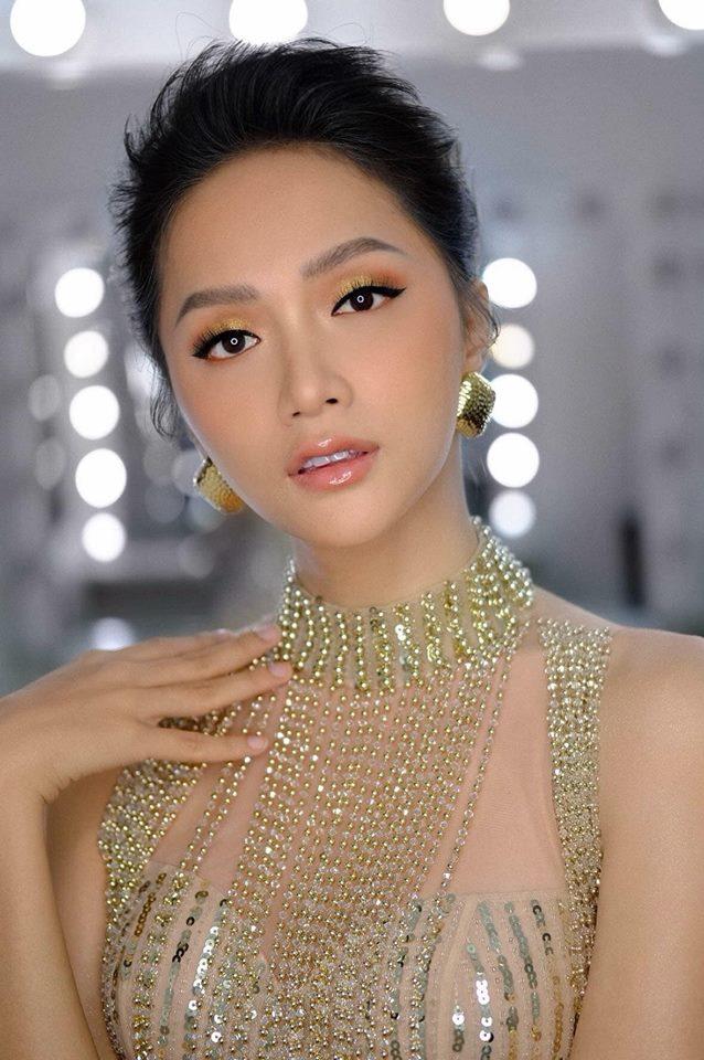Sau tin đồn được cầu hôn, Hương Giang diện váy xuyên thấu lấp lánh khoe hình thể 'Vệ nữ' đi sự kiện - 5