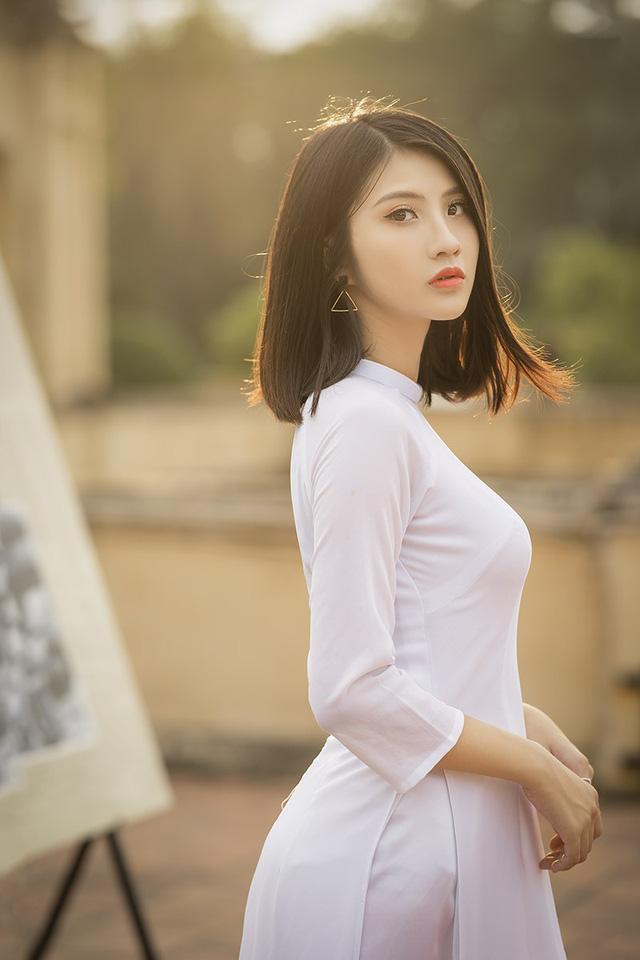 Nữ sinh Ninh Bình sở hữu nét đẹp sắc sảo hút hồn - 7