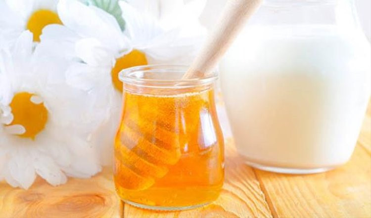 Bỏ túi những công thức mặt nạ sữa chua cực hiệu quả cho mùa lạnh