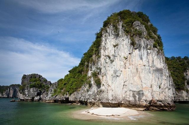 Khám phá vịnh Lan Hạ - thiên đường bị bỏ quên ở miền Bắc