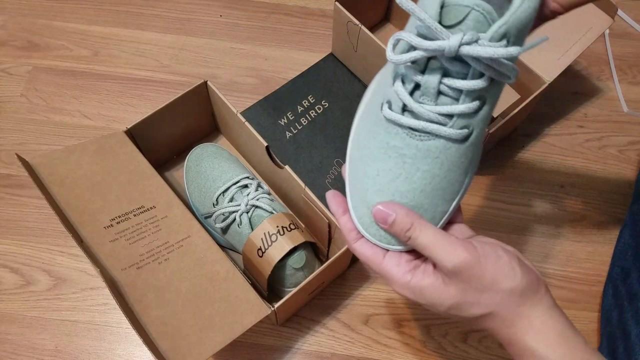Điều gì đã khiến đôi sneakers này thu hút tới 1 triệu người đặt mua?