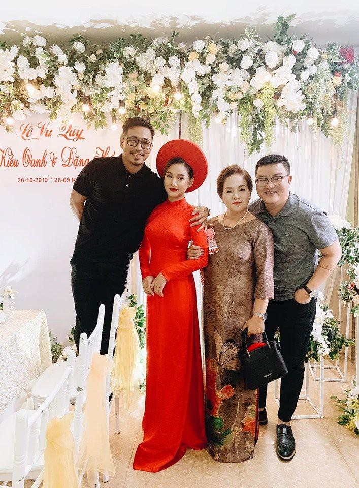 Bị dân mạng ném đá cay độc vì tái hôn đúng ngày sinh nhật chồng cũ, vợ cũ diễn viên quá cố Duy Nhân bật khóc vì tổn thương - 8